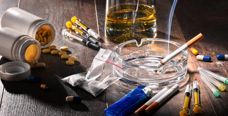 Alcohol and Pills: What Are the Effects of Mixing