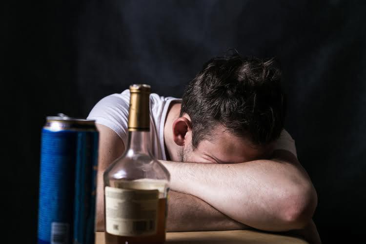 Alcohol and Sleep: does alcohol help you sleep