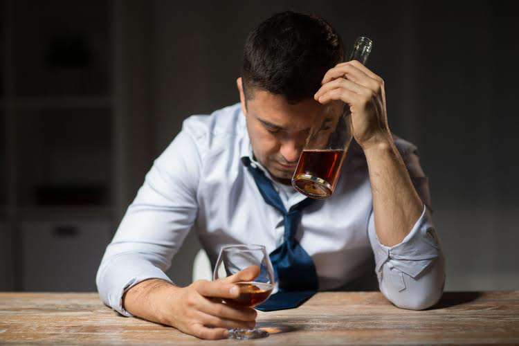 Alcohol Withdrawal: Symptoms, Stages and Treatment